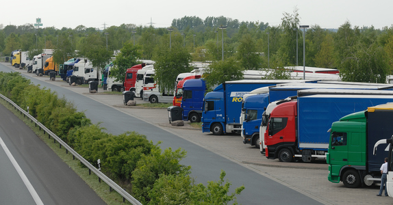 REDUCE THE TRUCK CAUSED AIR POLLUTION IN EUROPE