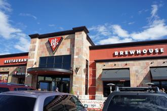 BJ's Brewhouse and Restaurant: Give Servers Auto-Gratuity for Large Parties