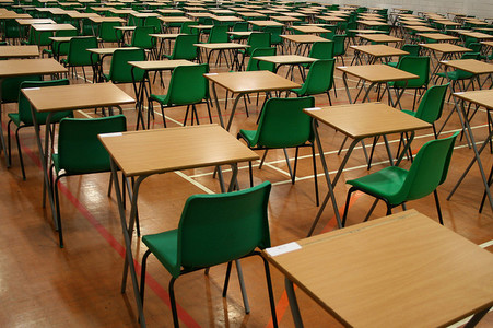 Reinstate grading system for GCSEs that teachers and pupils were working towards