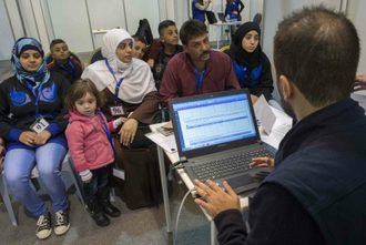Reopen processing centres to screen Syrian refugee families