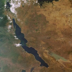 EAST AFRICA: Against gas and oil degradation in the Lake Tanganyika