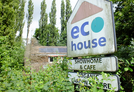 Abandon the sale of the EcoHouse and heritage school in Western Park