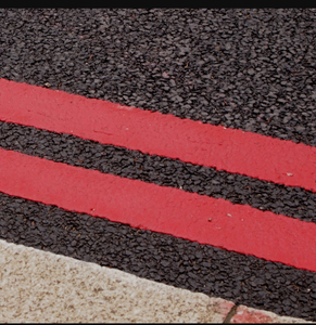 Double red lines outside schools