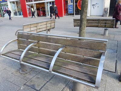 Remove Anti-Homeless Benches from Southampton City