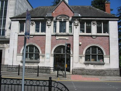 Save Pontypool library from close down