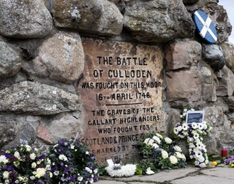 Reverse the decision to build on Culloden Battlefield