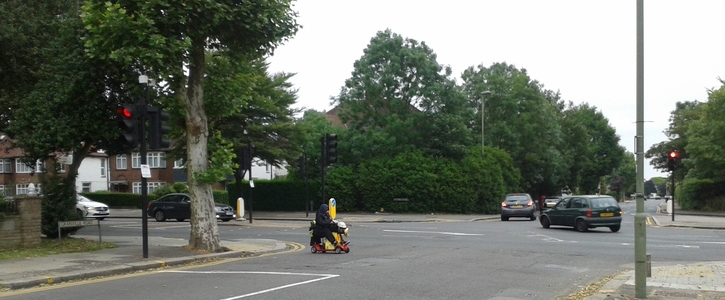 Safe pedestrian crossing needed at Granville Road and Summer's Lane junction