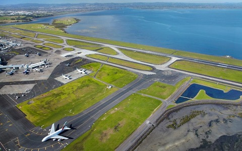 Limit aircraft noise and pollution over Wattle Downs and South Auckland