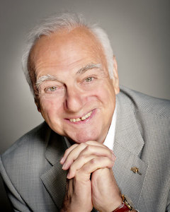 Roy Hudd to be Knighted