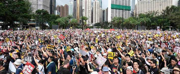 Impose sanctions on the government officials in Hong Kong and China in violation of human rights