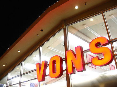 Social distancing at Vons and protection for employees