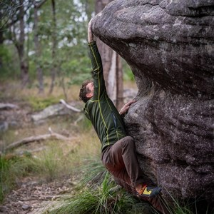 Include a Bouldering area in the Victoria Park rejuvenation project