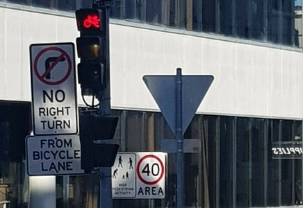 More green bicycle light phases for Wilson St Cycleway